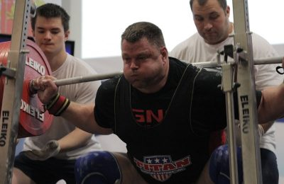 Hall of Powerlifter Brad Gillingham back squatting at the 2013 IPF Worlds