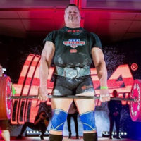 Hall of fame powerlifter Brad Gillingham deadlifting and setting a world record lift